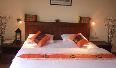 Queen Victoria Inn - Search for free rooms and guaranteed low rates in Chiang Mai 10 photos
